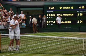 Isner-Anderson-Wimbledon-2018-SF-Embrace-Tiebreak