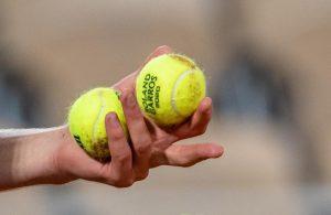 Nadal y Azarenka se quejan en Roland Garros